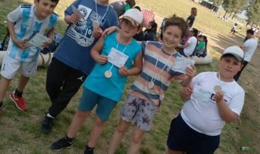 La Escuela Municipal de Atletismo participó de un torneo en Tornquist⠀