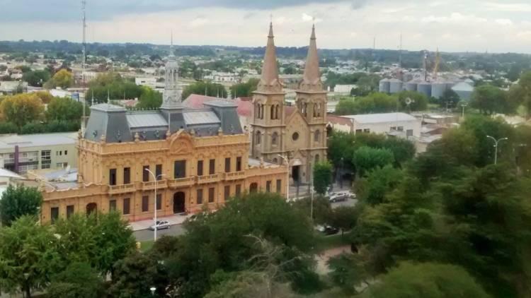 10 de julio de 1882. Gobernador Dr. Dardo Rocha promulga la ley de creación de los partidos de Cnel. Suárez y C. Pringles.